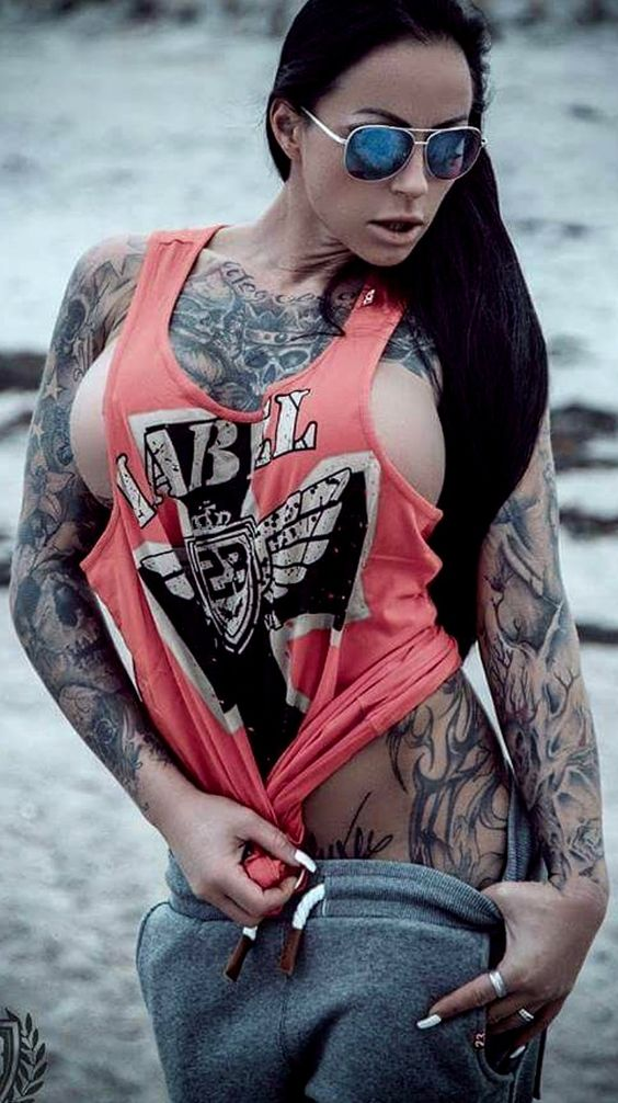 GUNZ GIRLZ TATTOOZ